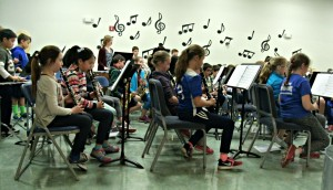 Image showing the clarinet and percussion sections of the band.