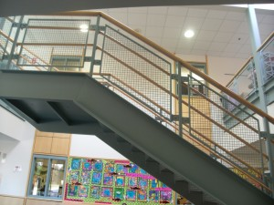 Picture showing the large blank wall to the right of the main staircase.